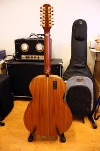 kitarahuolto bassohuolto espoo guitarworx 12-kielinen elektroakustinen patteriboksi