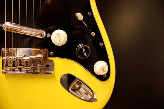 kitarahuolto, bassohuolto, guitarworx, kitarapaja, soitinhuolto, kitara, basso, fender, telecaster, stratocaster, lipsticks, kitaramikit